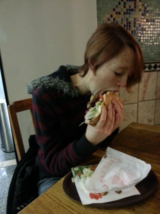 Alison eats a Döner