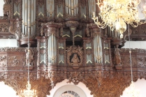The organ (much clearer but very cropped DSLR shot - I love/hate my 50mm lens)