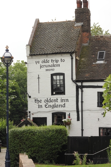 Cute old inn in Nottingham