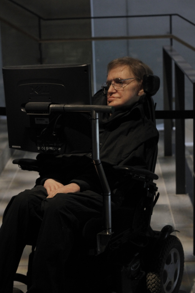 Wax figure of Stephen Hawking. They also had a display where an audio recording of Hawking talked about Western ideas regarding life and the universe.