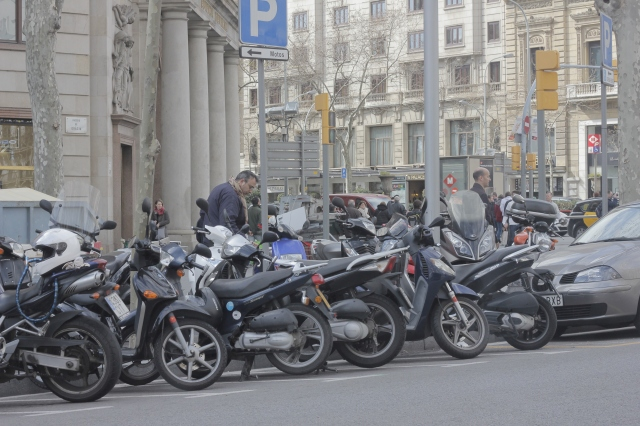 Mopeds in Spain are like bicycles in Denmark - they're everywhere (though they don't obey the traffic laws half as well as Danish cyclists). I'm told this is true of Italy as well.