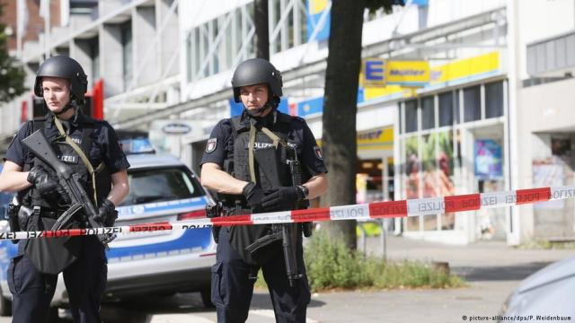 knife-attack-hamburg-barmbek_DPA