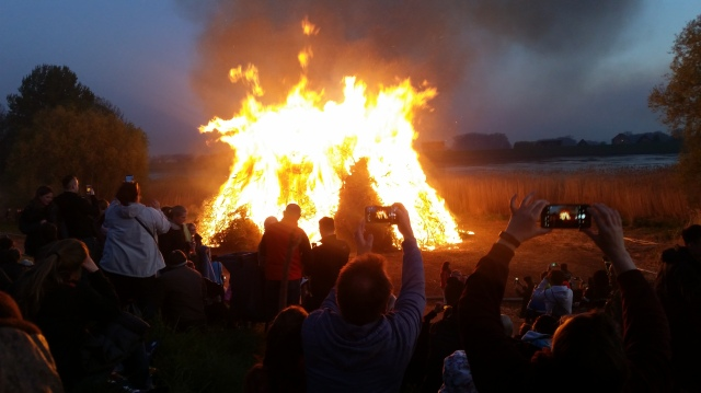 Osterfeuer / Easter Fire 2019 in Hamburg Allermöhe